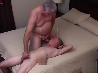 older rims fucks bareback straight blond