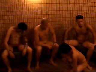 naked japanese sentou fight